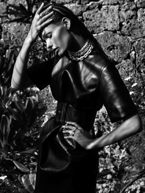 Ngắm 'nữ thần mặt trời' trêntạp chí Vogue - ảnh 8