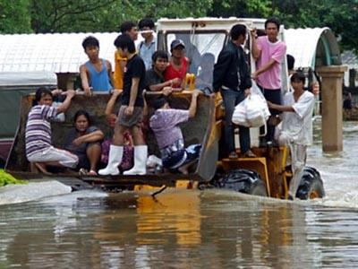 Thái Lan chìm trong lũ lụt. Ảnh: CNA