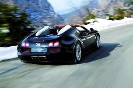 Siêu mui trần Bugatti Veyron Vitesse phô diễn sức mạnh - ảnh 1