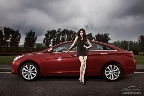 Mỹ nhân khoe sắc bên Hyundai Sonata - ảnh 6