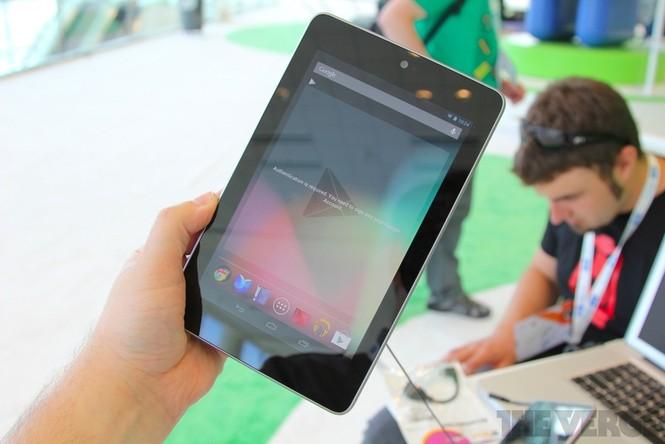 Cận cảnh máy tính bảng Google Nexus 7 giá rẻ - ảnh 1