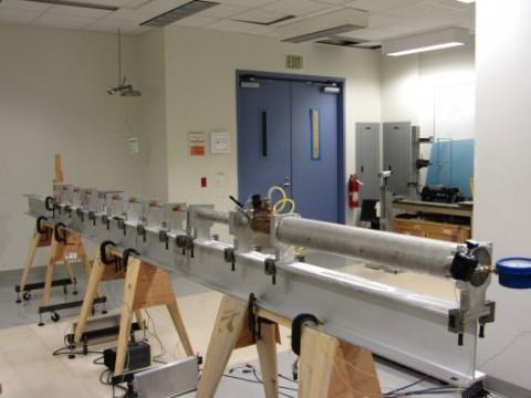 Súng gas sử dụng để thử nghiệm áo giáp từ sợi nano