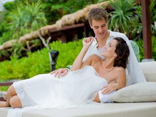 Kỳ nghỉ chính là dịp để các cặp đôi hâm nóng tình yêu