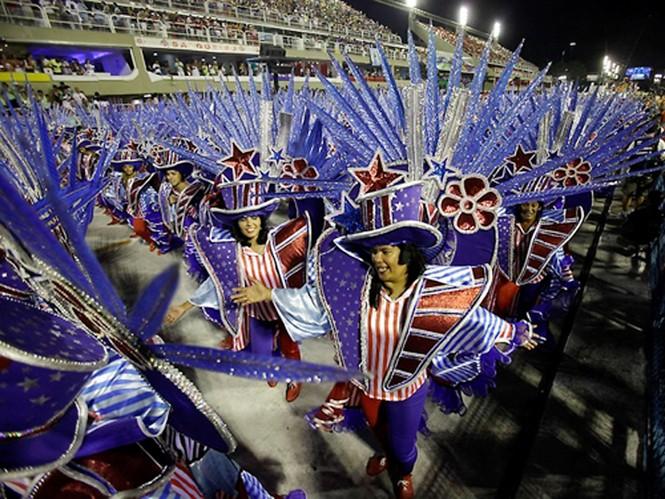 Với bề dày 80 năm tồn tại, lễ hội Carnival Rio de Janeiro được xem là lớn nhất thế giới