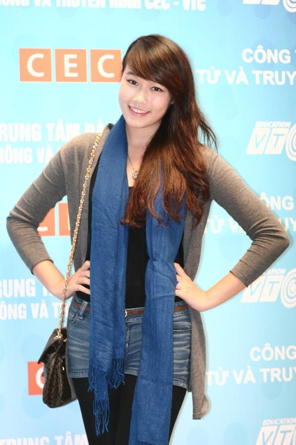 Miss Teen Minh Trang rạng rỡ ngày khai giảng - ảnh 2