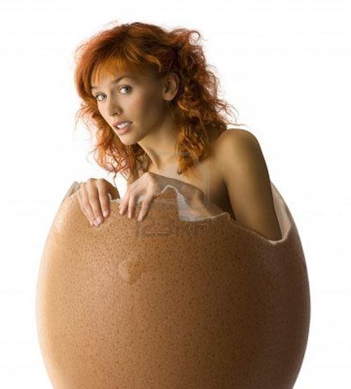 Công dụng bất ngờ làm đẹp từ trứng gà - ảnh 1