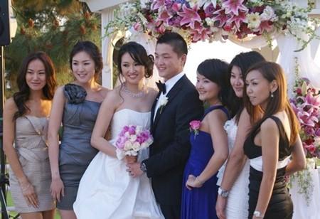 Đi dự đám cưới cũng là một công việc làm thêm