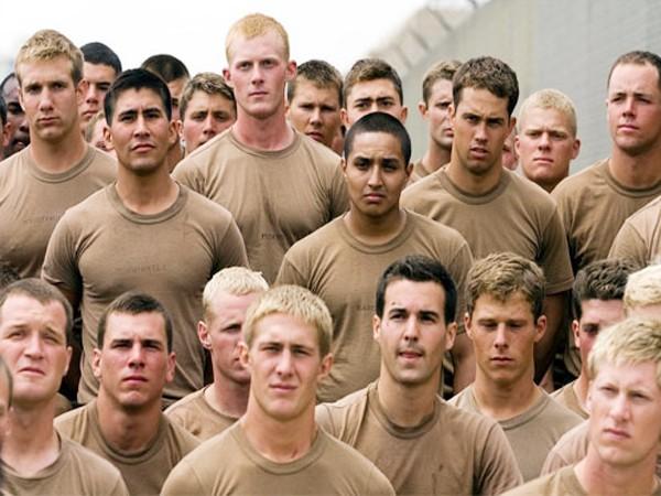 Cận cảnh tập luyện của biệt đội SEAL - ảnh 1