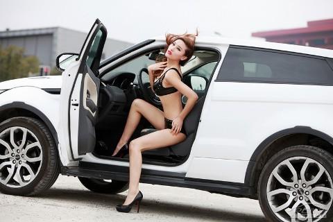 Chân dài cực nóng bên Range Rover Evoque (Phần II) - ảnh 1