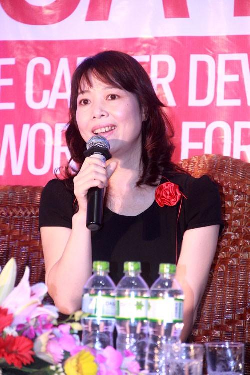 Bà Lê Thị Phương Hoa tại hội thảo.