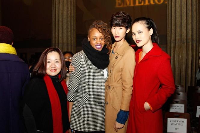 Hoàng Thùy, Tuyết Lan chụp ảnh cùng các người mẫu, nhà thiết kế, stylist quốc tế