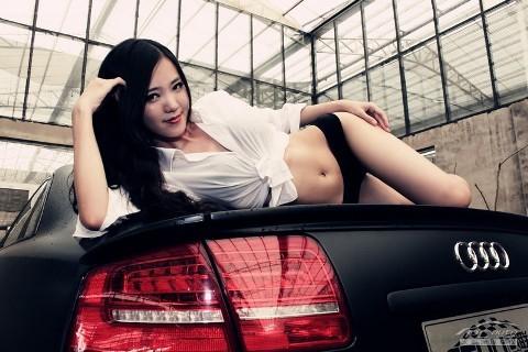 Mỹ nữ quyến rũ bên Audi A8L - ảnh 7