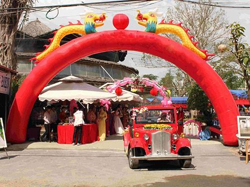 Một tiệc cưới được tổ chức tại khu du lịch chùa Dơi