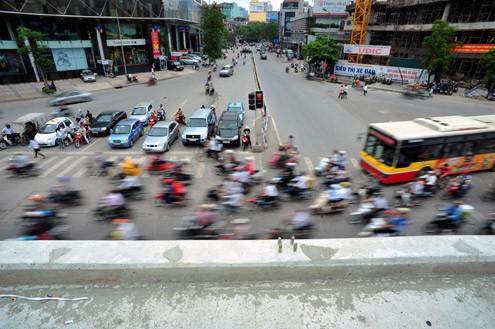 'Mục sở thị' cầu vượt lắp ghép đầu tiên ở thủ đô - ảnh 12