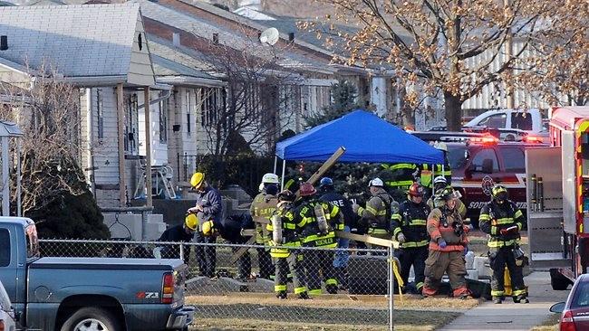 Máy bay đâm vào nhà dân, 4 người thiệt mạng - ảnh 3