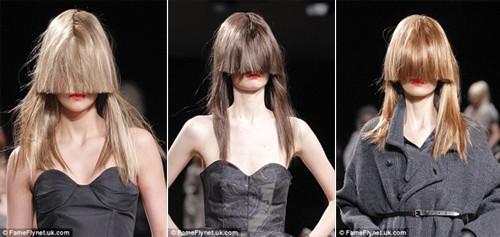 Những kiểu tóc 'nổi loạn' trên sàn catwalk Paris - ảnh 4
