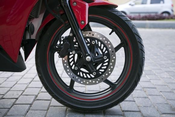 Honda CBR150R 2011: Xe đua 150cc mạnh mẽ - ảnh 7