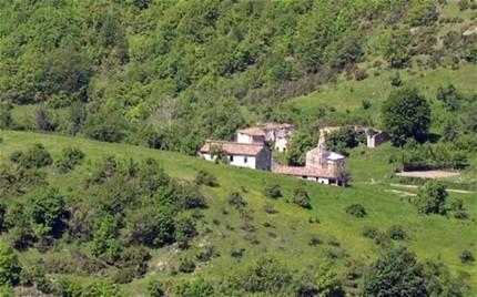 Valle Piola là ngôi làng bị bỏ hoang đặc biệt nhất ở Italia với vẻ nguyên sơ của khung cảnh xung quanh