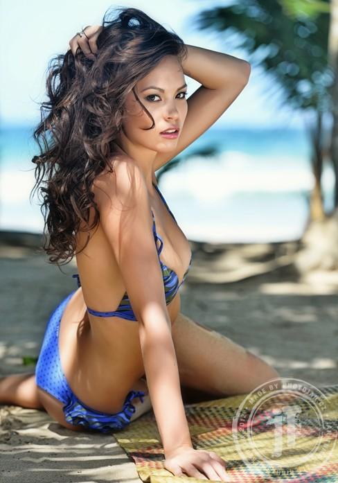 Ngắm Monika Leová gợi cảm cùng bikini - ảnh 3