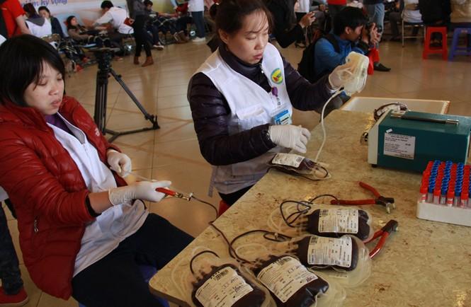 Theo nguồn tin từ Viện Huyết học Truyền máu T.Ư, tính đến cuối giờ chiều ngày 3 - 3, Viện tiếp nhận hơn 6.000 đơn vị máu. Dự kiến, đến khi lễ hội kết thúc, số máu tiếp nhận sẽ lên tới hơn 7.000 đơn vị