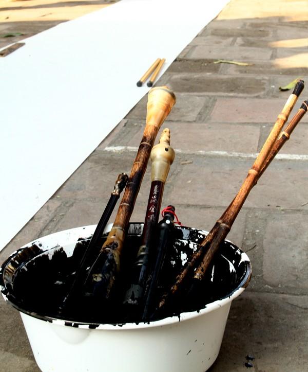 Nhiều loại bút được sử dụng để thể hiện
