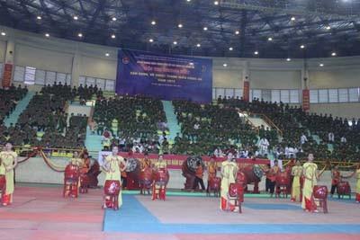 Màn múa trống do thanh niên đoàn HVAN biểu diễn