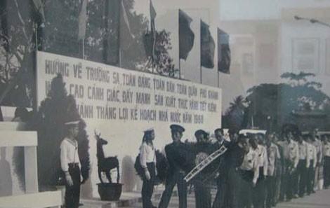Lễ truy điệu các chiến sĩ đã anh dũng hi sinh bảo vệ quần đảo Trường Sa 1988