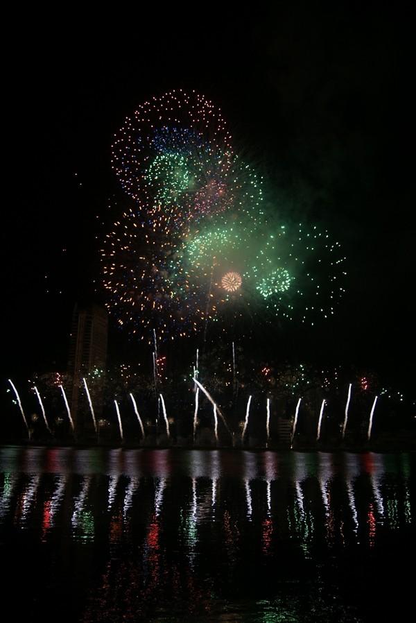 Đội Ý vô địch cuộc thi bắn pháo hoa quốc tế - ảnh 9