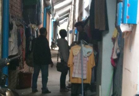 Hành lang dorm của dân cái bang sòng bài Bavet