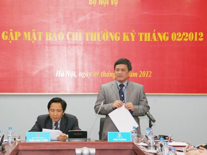 Lãnh đạo Bộ Nội vụ tại cuộc họp báo Ảnh: Hồng Sơn