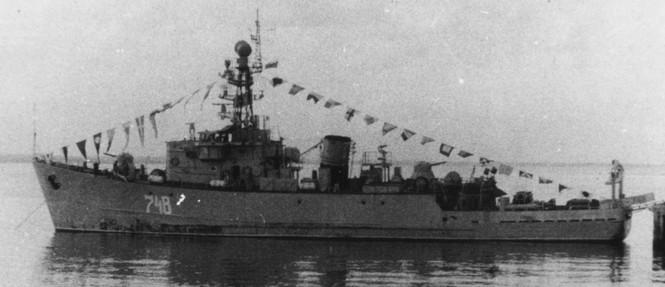 31.07.1983, Ngày Hải quân. МТ-238 bên cầu cảng căn cứ Cam Ranh, Việt Nam