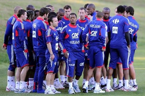 Các tuyển thủ Pháp bỏ tập trước trận cuối cùng ở vòng bảng VCK World Cup 2010 gặp Nam Phi. Ảnh: Getty Images