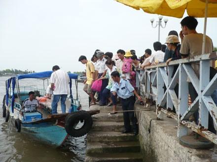 Du lịch sông nước ở ĐBSCL vẫn là sự lựa chọn trong lịch trình những ngày nghỉ lễ, tết của đông đảo người dân.