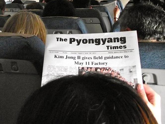 Hành khách đi máy bay có thể tìm hiểu thêm thông tin về Triều Tiên qua tờ Thời báo Bình Nhưỡng bằng tiếng Anh.