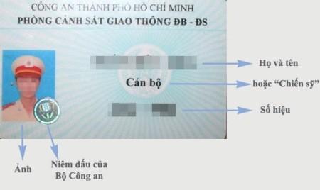 """Mẫu thẻ tuần tra của CSGT có hiệu lực từ ngày 1/1/2013, thường được gọi là """"thẻ xanh"""""""