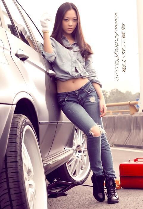 Người mẫu sexy bên xế hộp BMW - ảnh 8