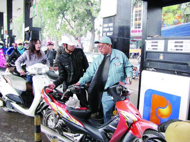 Việt Nam sẽ ngừng lưu hành xăng A83? Ảnh: Tuấn Nguyễn
