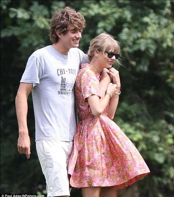 Taylor Swift tố người yêu cũ không chung thủy - ảnh 4