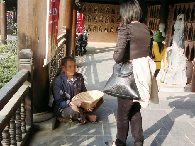 Những người ăn xin ở chùa Bái Đính mới