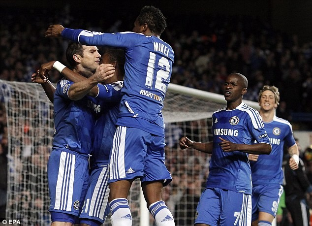 Chelsea giành quyền đi tiếp