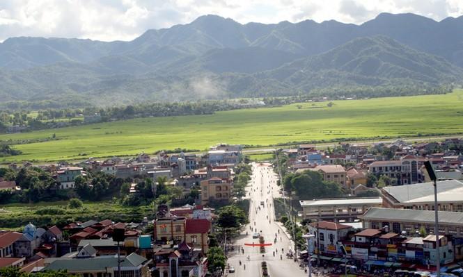 Thành phố Điện Biên và cánh đồng Mường Thanh nhìn từ đồi A1