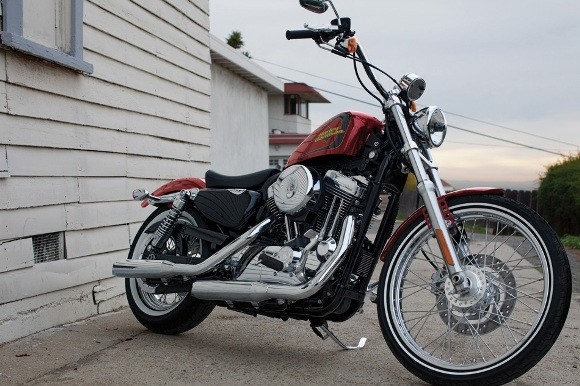 Cận cảnh Harley-Davidson XL883L Seventy-Two - ảnh 2