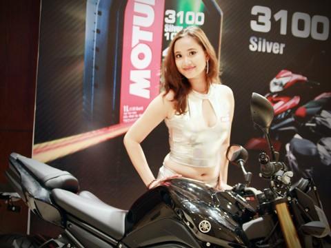 Người đẹp bên Honda CB1000R Tricolour - ảnh 6