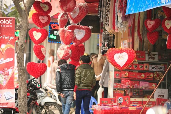 Valentine ngập tràn những con phố - ảnh 6