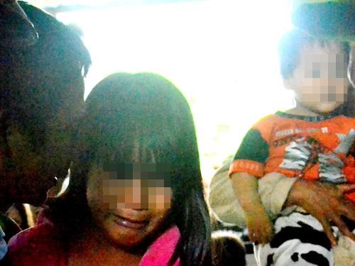 Trong lúc nghị án, con gái Tuấn đến khóc xin ba thành khẩn để sớm được về nhà