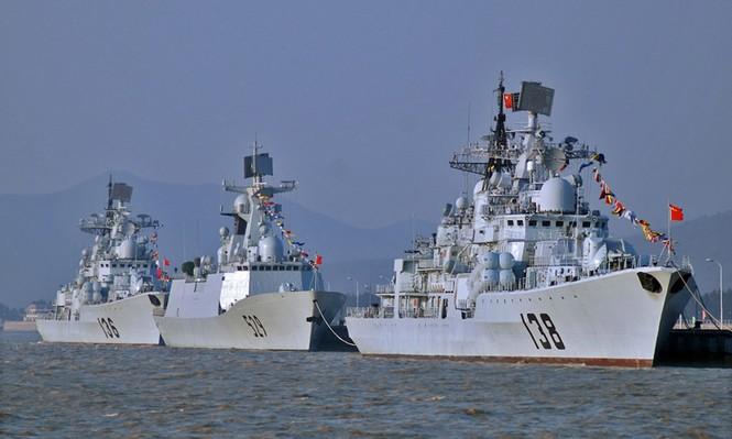 Những tầu hộ tống tên lửa của hải quân Trung quốc