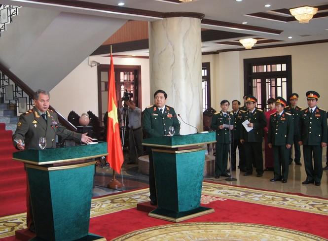 Hai Bộ trưởng phát biểu sau hội đàm