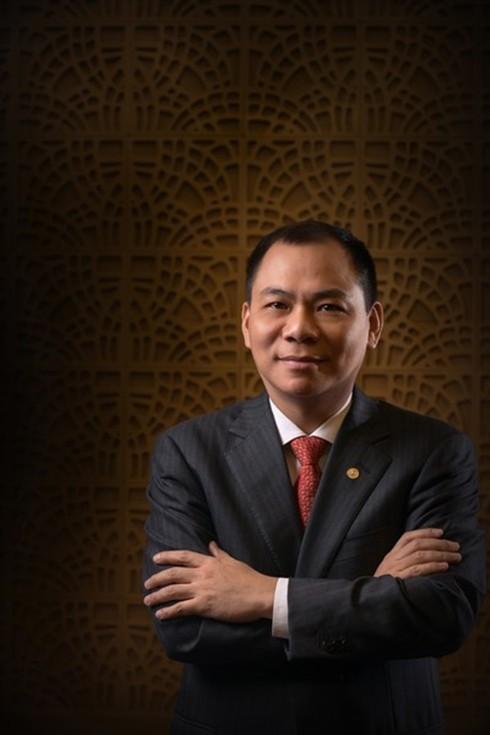 Không chỉ là tỷ phú đầu tiên của Việt Nam lọt vào danh sách do tạp chí Mỹ công bố, ông chủ của Vingroup còn là một trong 10 tỷ phú mới xuất sắc nhất của Forbes
