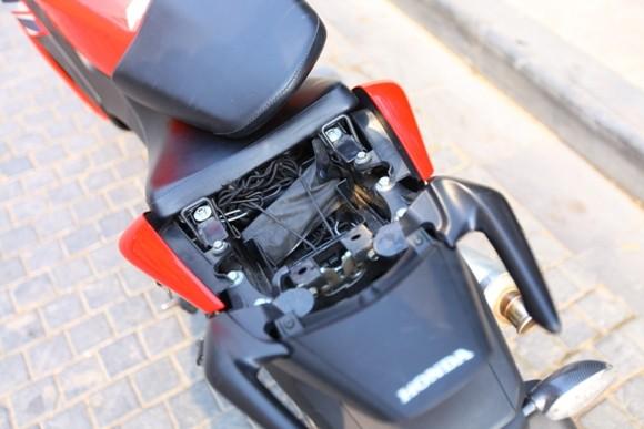 Honda CBR150R 2011: Xe đua 150cc mạnh mẽ - ảnh 18
