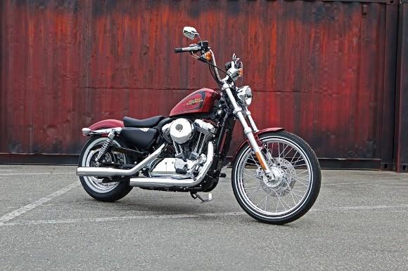 Cận cảnh Harley-Davidson XL883L Seventy-Two - ảnh 3